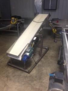 Incline conveyor